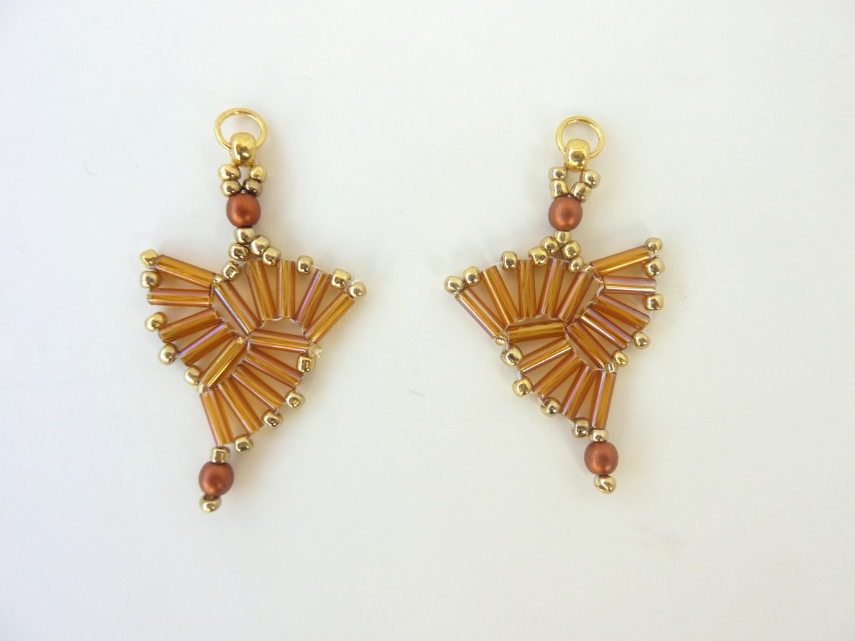 FREE beading pattern for Bugle Triangle Earrings