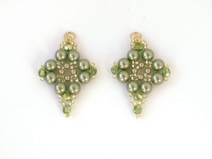 free beading pattern for pearl rhombus earrings