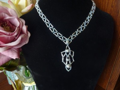 bugle_deco_necklace_2