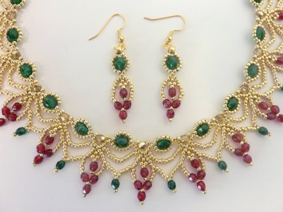christmas_cascade_earrings_1