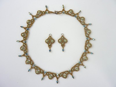 palace_pearl_earrings_3
