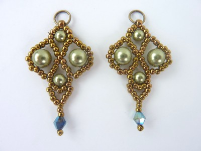 palace_pearl_earrings_4