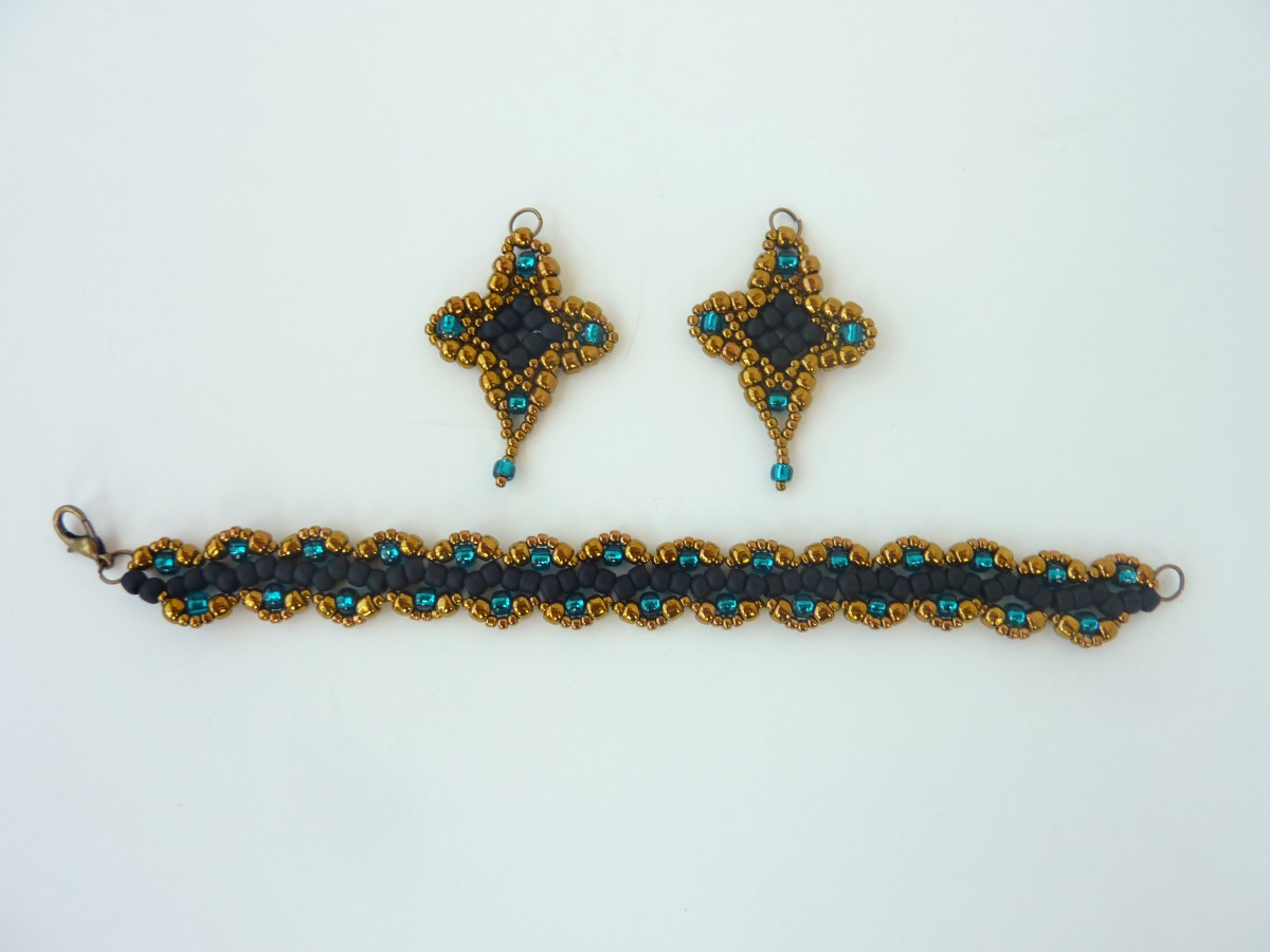 FREE beading pattern: Sophia Earrings
