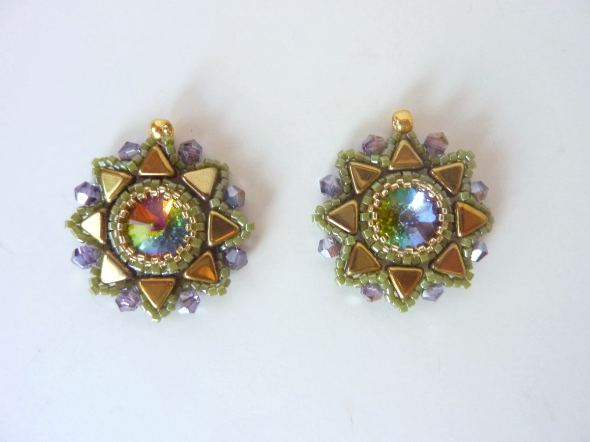 FREE beading pattern: Sunburst Rivoli Earrings