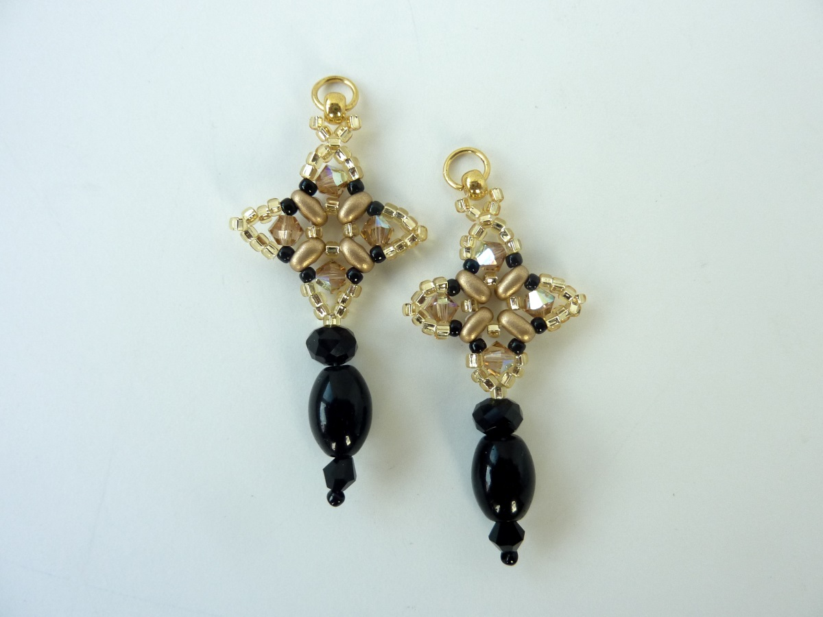 FREE beading pattern:Twin Crystal Earrings
