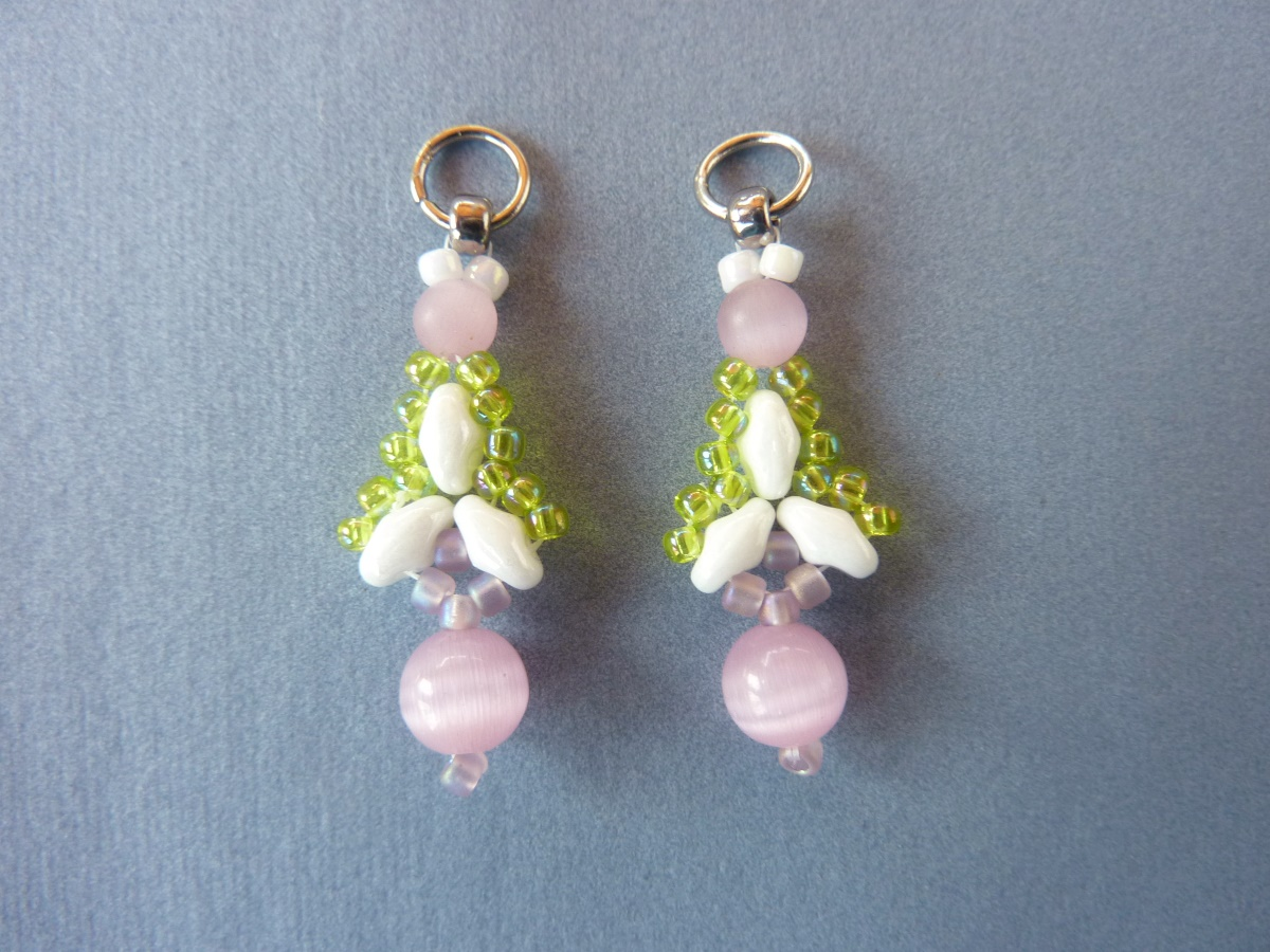 FREE beading pattern: Twin Flanked Drop Earrings